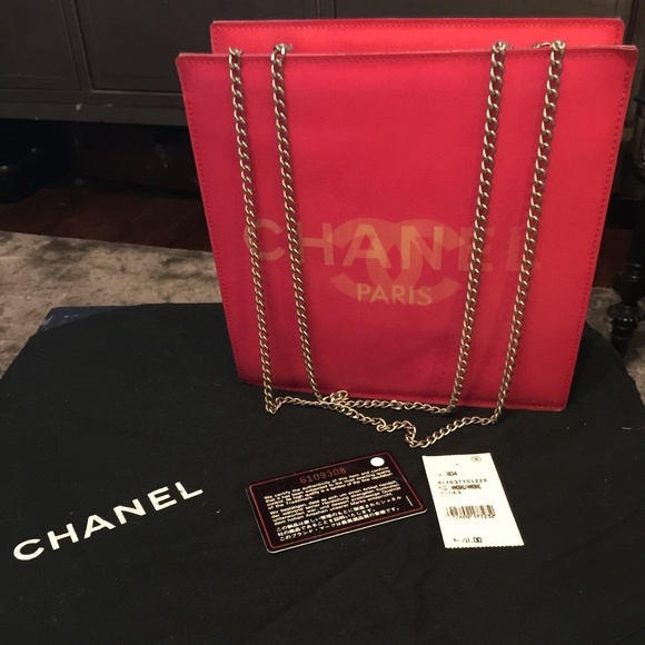 8acbc6cc00ef CHANEL Handbags - CHANEL HOLOGRAPHIC shoulder bag AMAZING DEAL